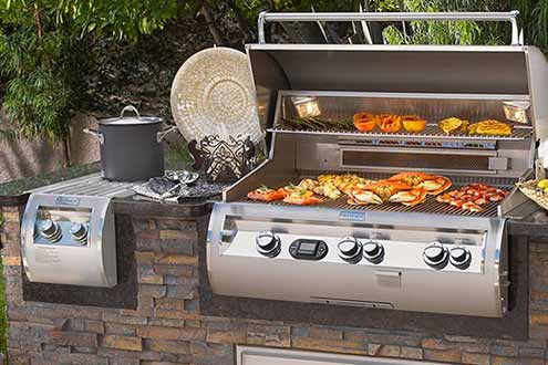 Great for family or business gatherings around the barbecue